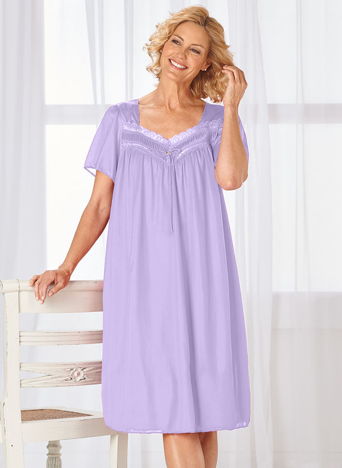 Short Nylon Gown with Lace