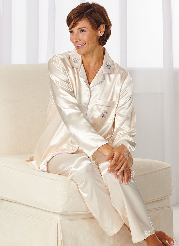 Satin Sleepwear. Achieve a comfortable and laid back look that is perfect for bedtime by slipping into a pair of pajamas, nightgown, or chemise made out of satin. Satin sleepwear is designed to feel light and airy, allowing the body to toss and turn at night without feeling too confined.